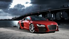 Audi R8 TDI Le Mans Concept Near Bridge Front Pose